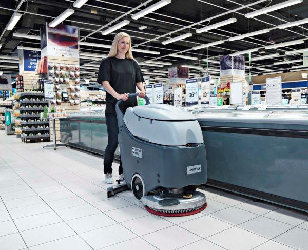 Nilfisk SC 450 Zemin Temizlik Makinası